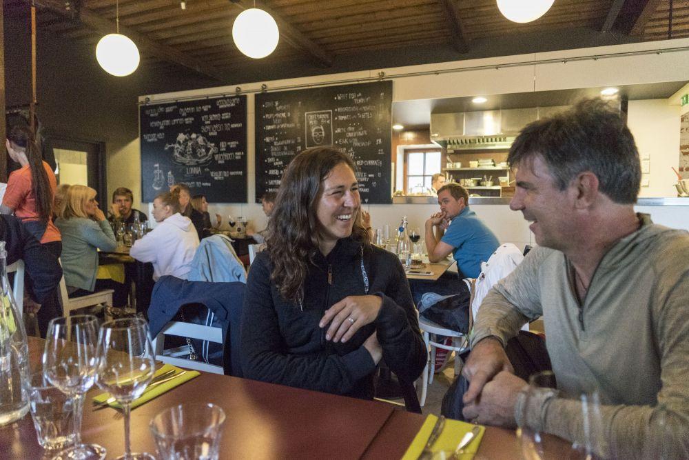 009 First meeting in Restaurant Lonna